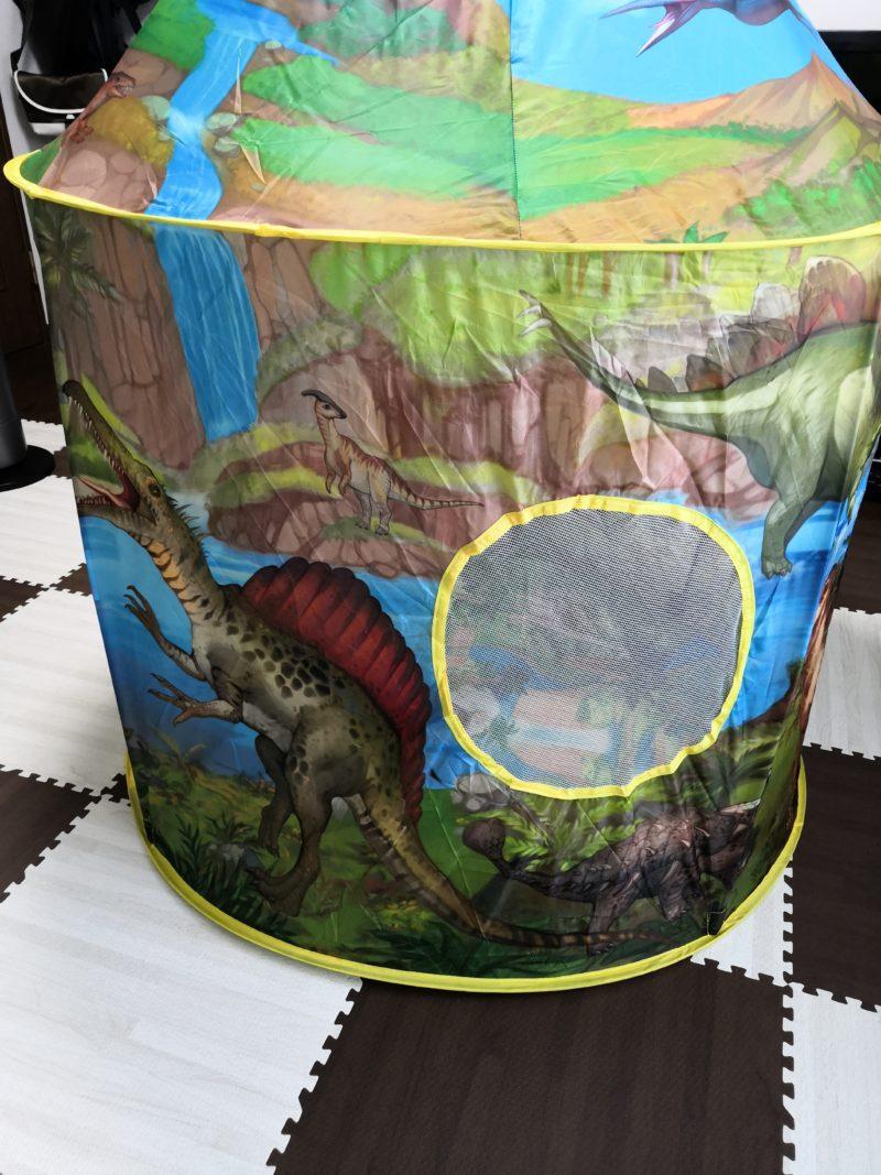 テントの右側 スピノサウルス
